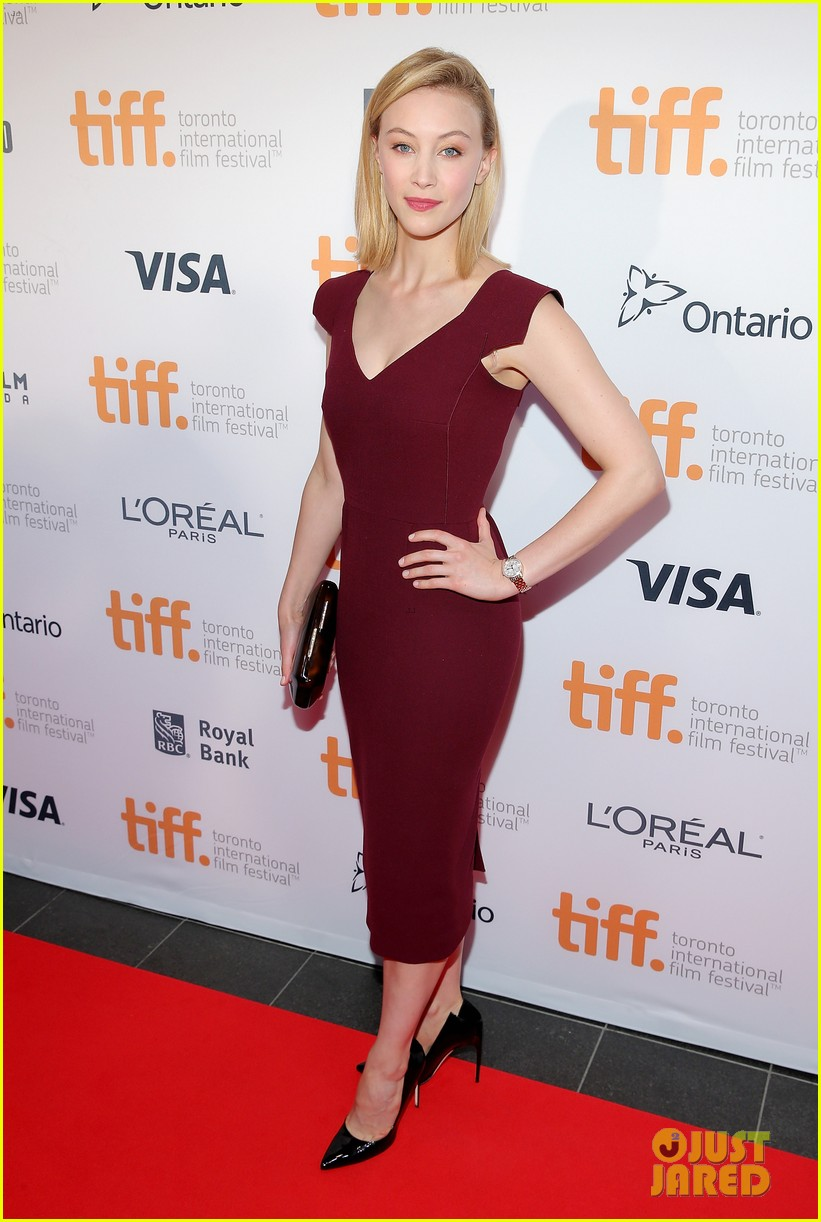 http://cdn03.cdn.justjared.com/wp-content/uploads/2014/09/perabo-tiffgala/piper-perabo-gabriel-macht-put-on-their-best-for-the-tiff-gala-2014-01.jpg