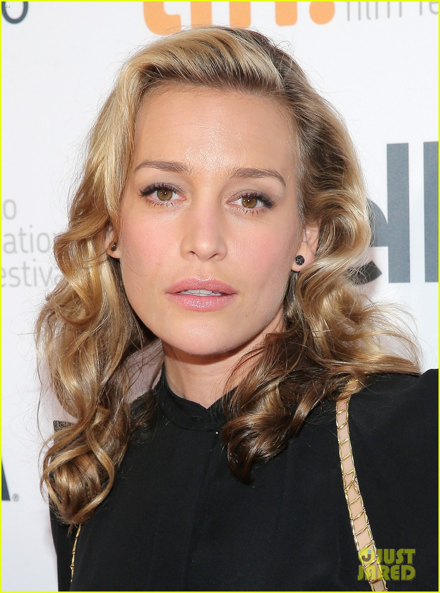 piper perabo gabriel macht put on their best for the tiff gala 2014 123188960