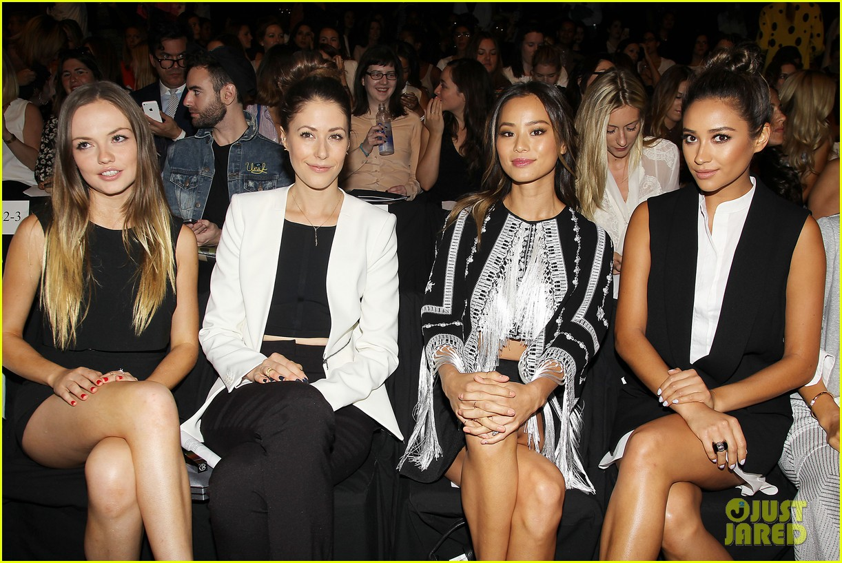 shay mitchell jamie chung bcbg fashion show 2014 043189217