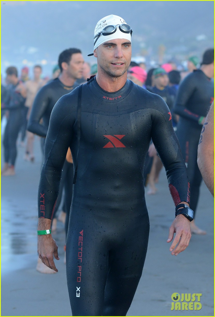 geoff stults colin egglesfield shirtless nautica triathlon 03