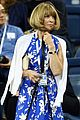 anna wintour still uses a flip phone 05