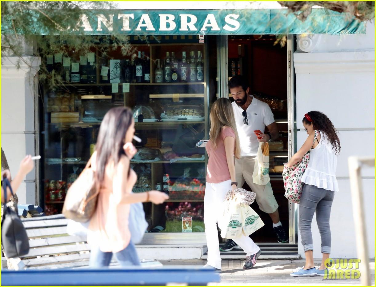 Full Sized Photo of an... Antonio Banderas