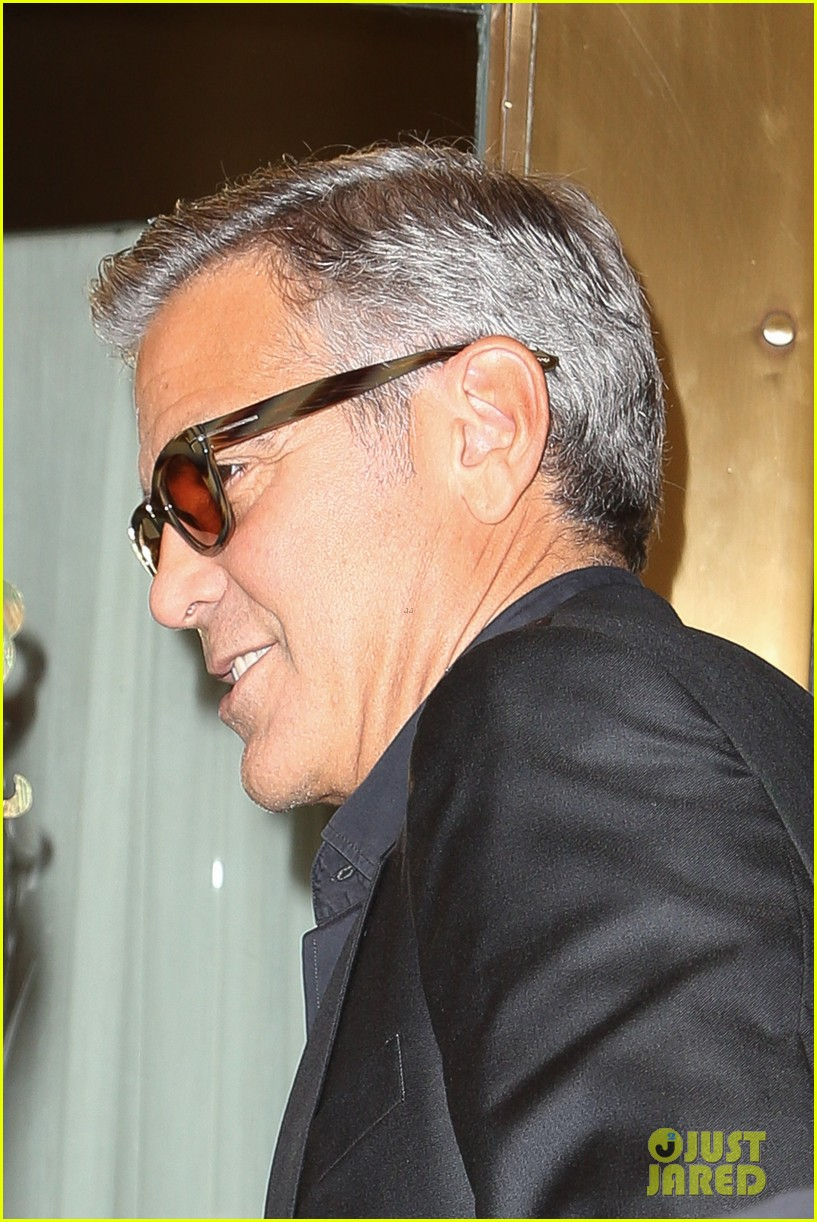 george clooney flashes wedding ring nyc 143214972
