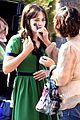 zooey deschanel goes green for new girl 09