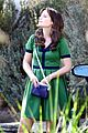 zooey deschanel goes green for new girl 29