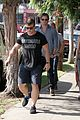 chris hemsworth grabs lunch with his older brother luke 12