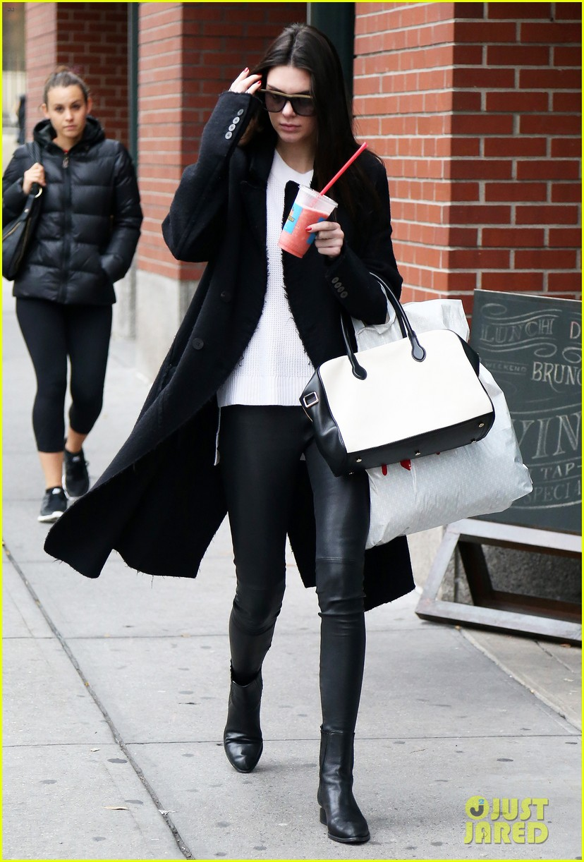 Full Sized Photo Of Kendall Jenner Gigi Hadid Root For