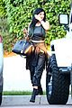 kendall jenner looks modelesque in casual clothes 08