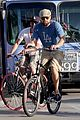 leonardo dicaprio keeps the environment in mind with his bicycle 35