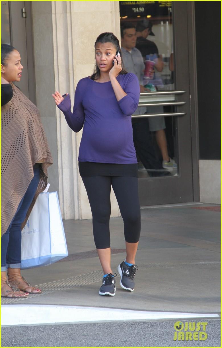 Full Sized Photo of zoe saldana baby bump the grove 08 ... Zoe Saldana