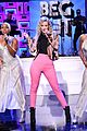 iggy azalea makes us beg for it with fallon performance 01
