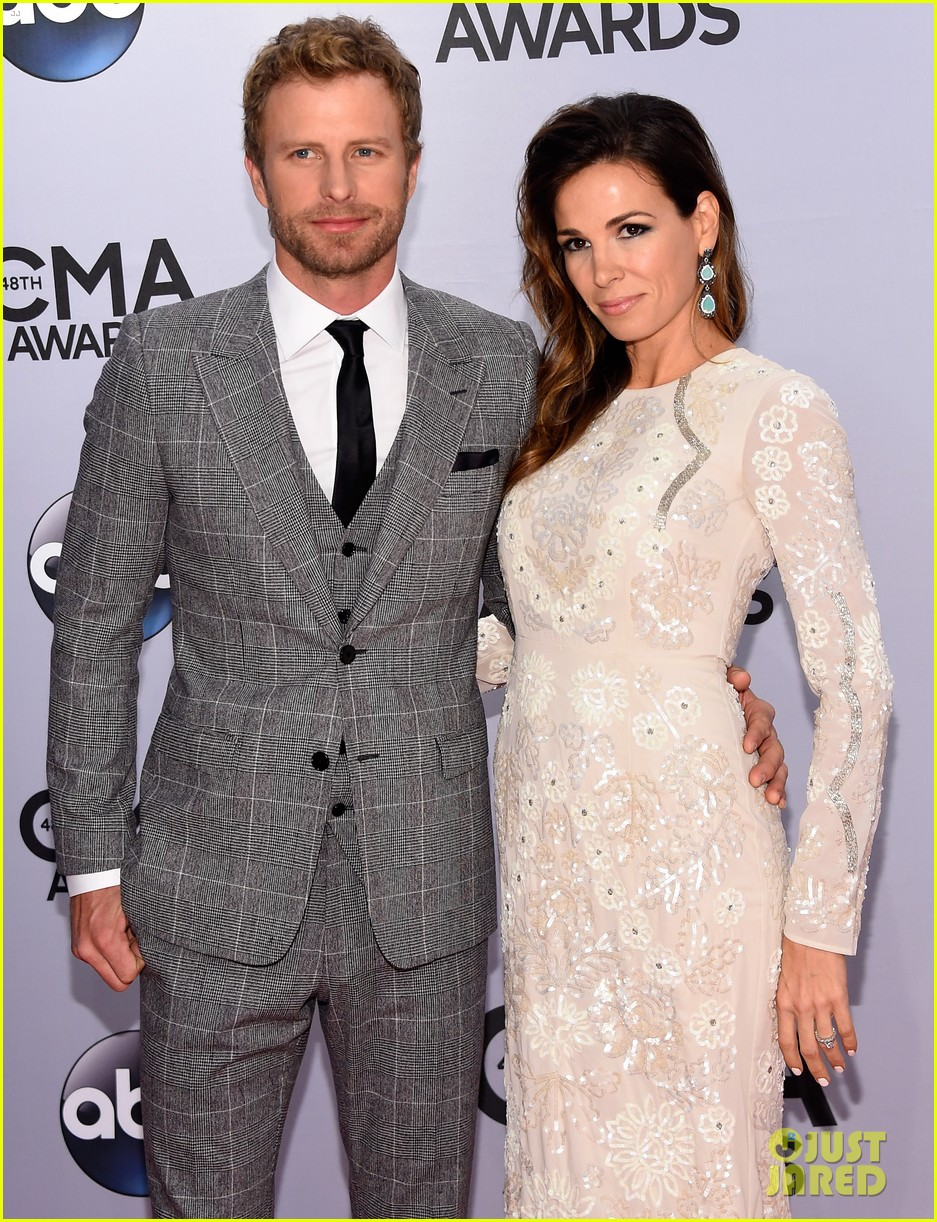 dierks bentley wife cassidy black are the perfect couple at cma. Cars Review. Best American Auto & Cars Review