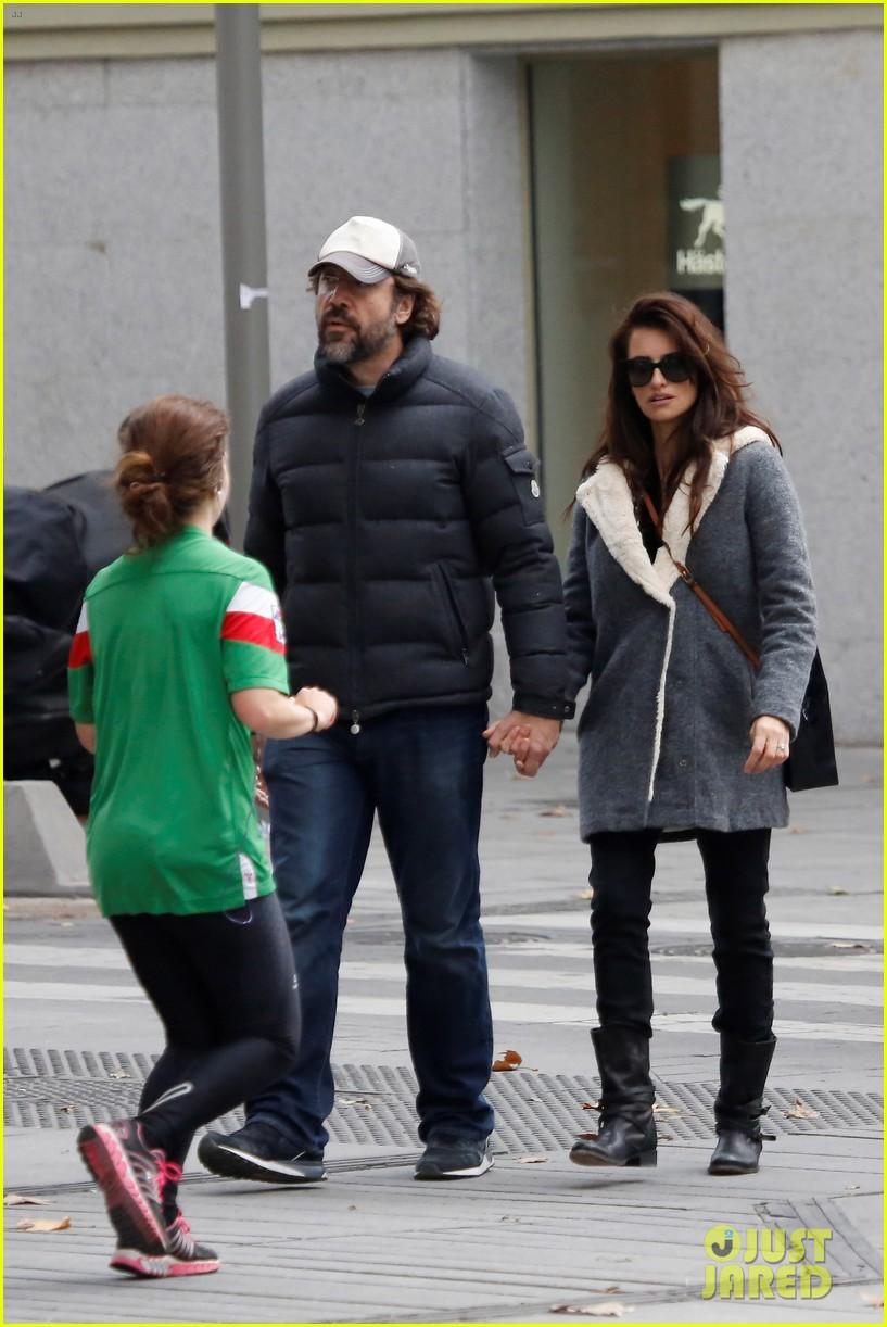 Penelope Cruz & Javier Bardem Take a Romantic Stroll in Spain Penelope Cruz