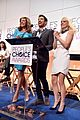 anna faris allison janney help announce peoples choice awards nominations 08