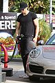 alexander skarsgard looks hot getting gas 08