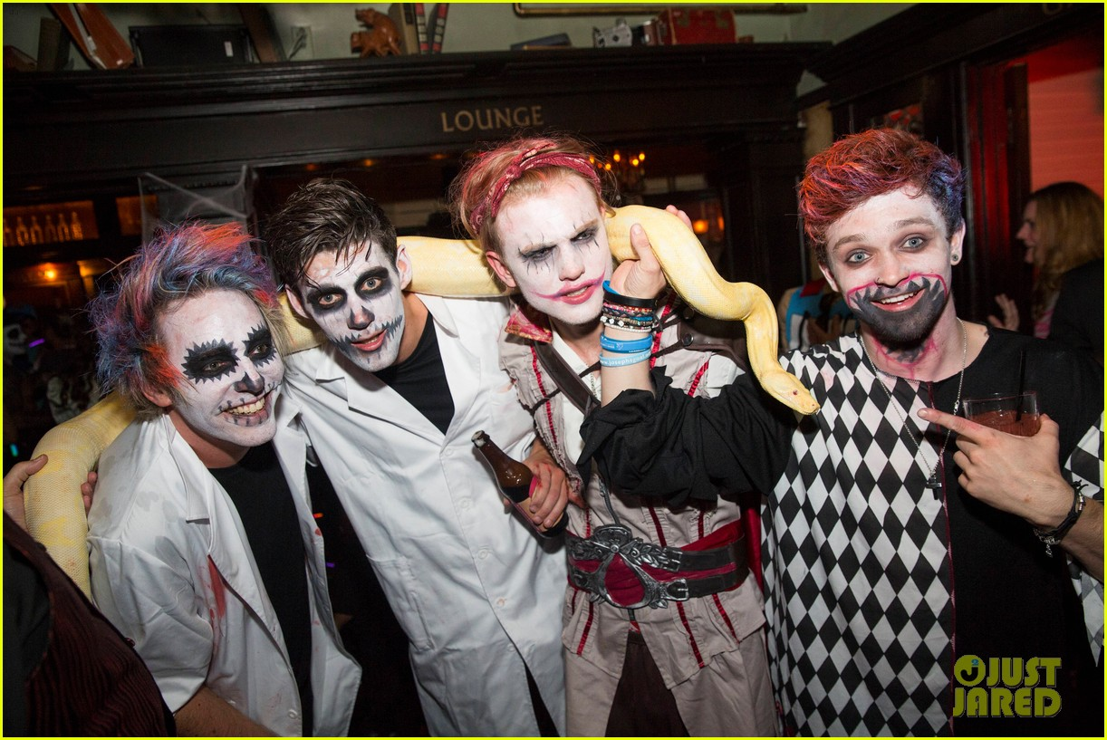 The Vamps, The Wanted, & Tokio Hotel Go All Out with AT&T at Just ...