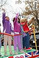 quvenzhane wallis annie kids perform on the parade 03