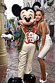 ariana grande sparkly minnie mouse ears disney world 04