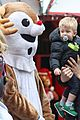 michael buble takes his son noah to a christmas theme park 26