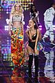 ariana grande smacked by angel wings 07