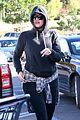khloe kardashian steps out after kourtney gives birth 13