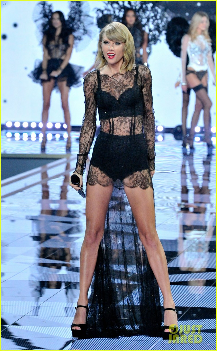 Secret Fashion Show 2014 Taylor Swift Taylor Swift Makes It Really