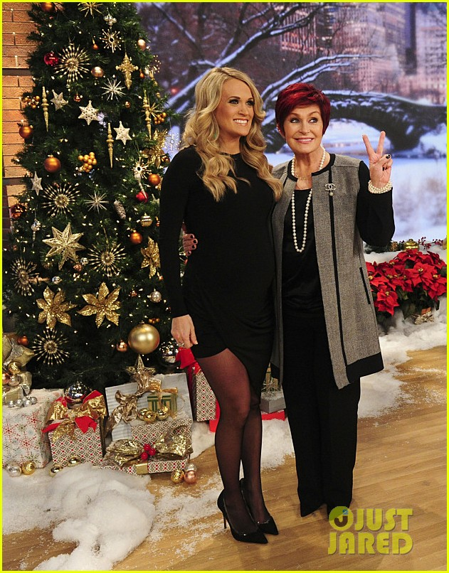 pregnant carrie underwood plays carrie oke on the talk 023259388
