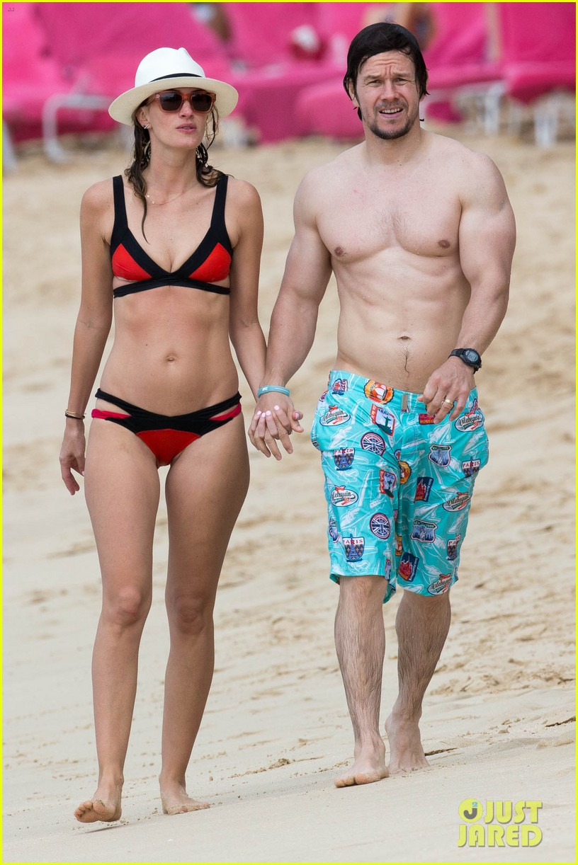 wyfe butt Mark Wahlberg Flashes Butt to Wife Rhea Durham in the Ocean!: Photo 3269281  | Bikini, Mark Wahlberg, Rhea Durham, Shirtless Pictures | Just Jared