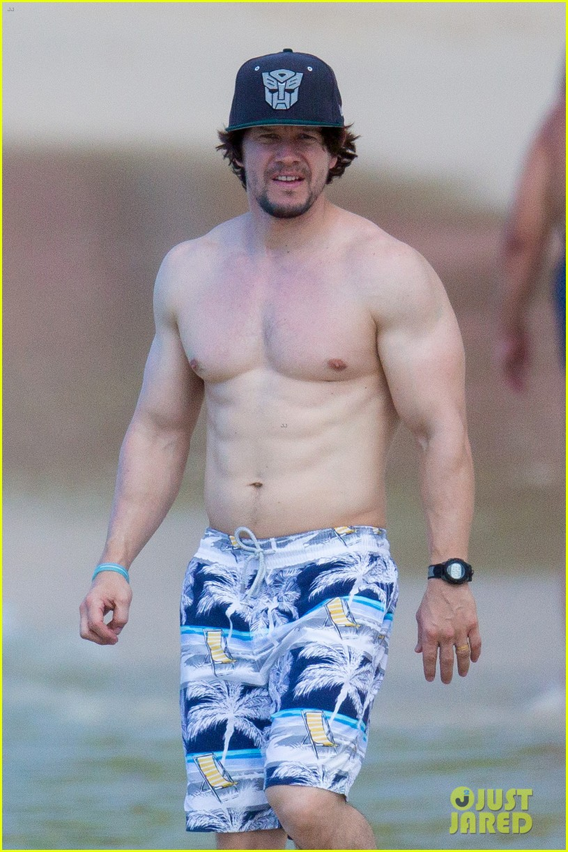 Mark Wahlberg Shows Off Ripped Shirtless Body in Barbados ... Mark Wahlberg Obituary