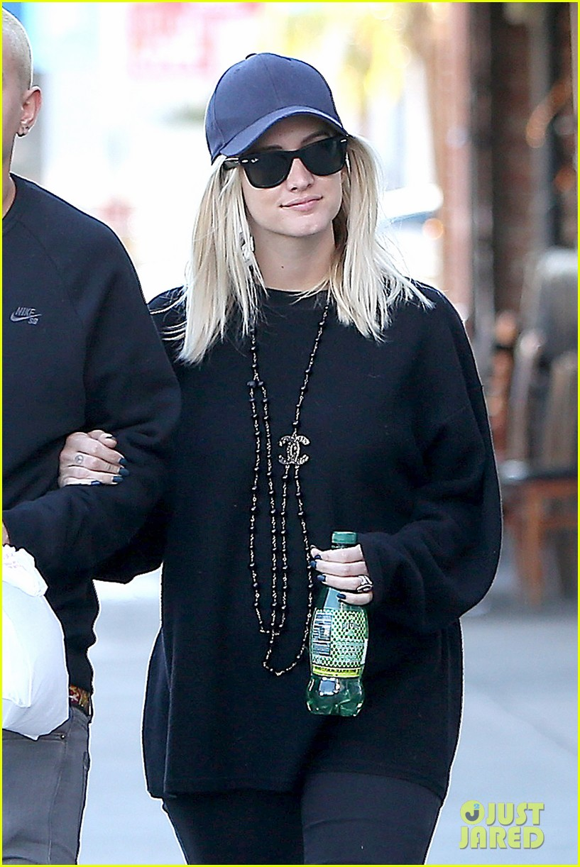 dating ashlee simpson 5 days ago  ashlee simpson and evan ross discuss their musical collaboration, their   when the duo first started dating, they'd sit together and sing all.
