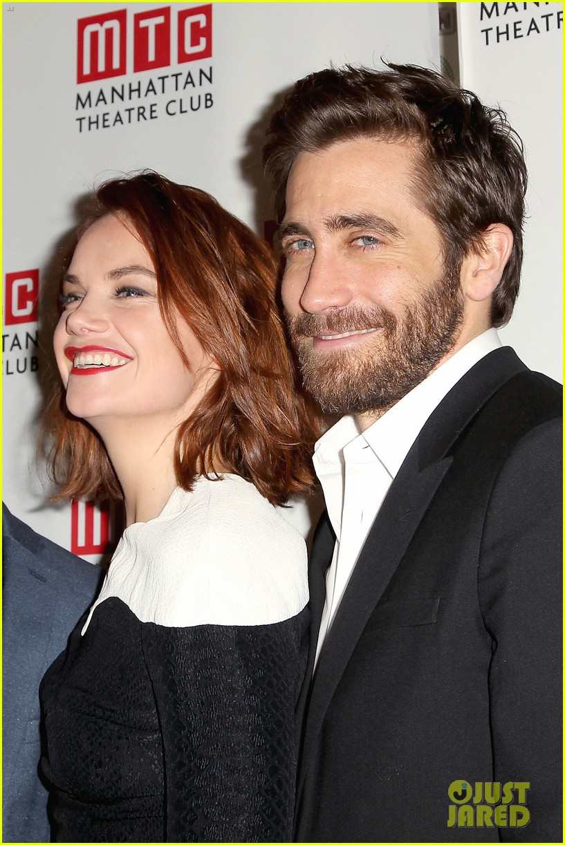 Jake Gyllenhaal & Ruth Wilson Get Raves for 'Constellations'! Jake Gyllenhaal