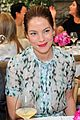 michelle monaghan has stylish moment before golden globes 04