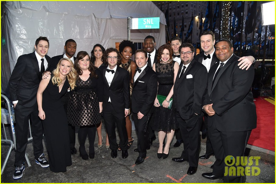 snl current cast walks nbc snl 40 red carpet 033305284