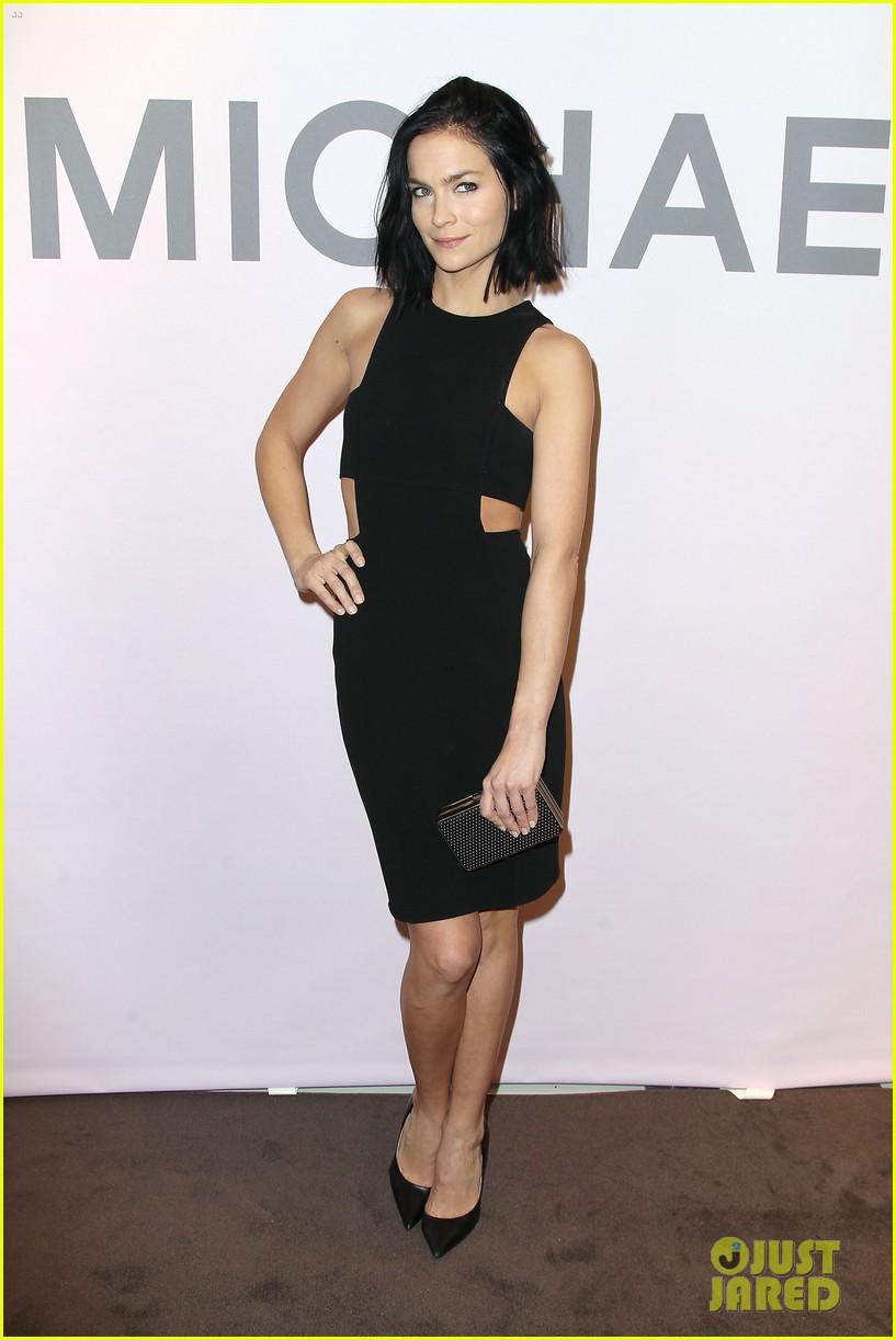 Kate Hudson Supports Michael Kors at Miranda Eyewear ...