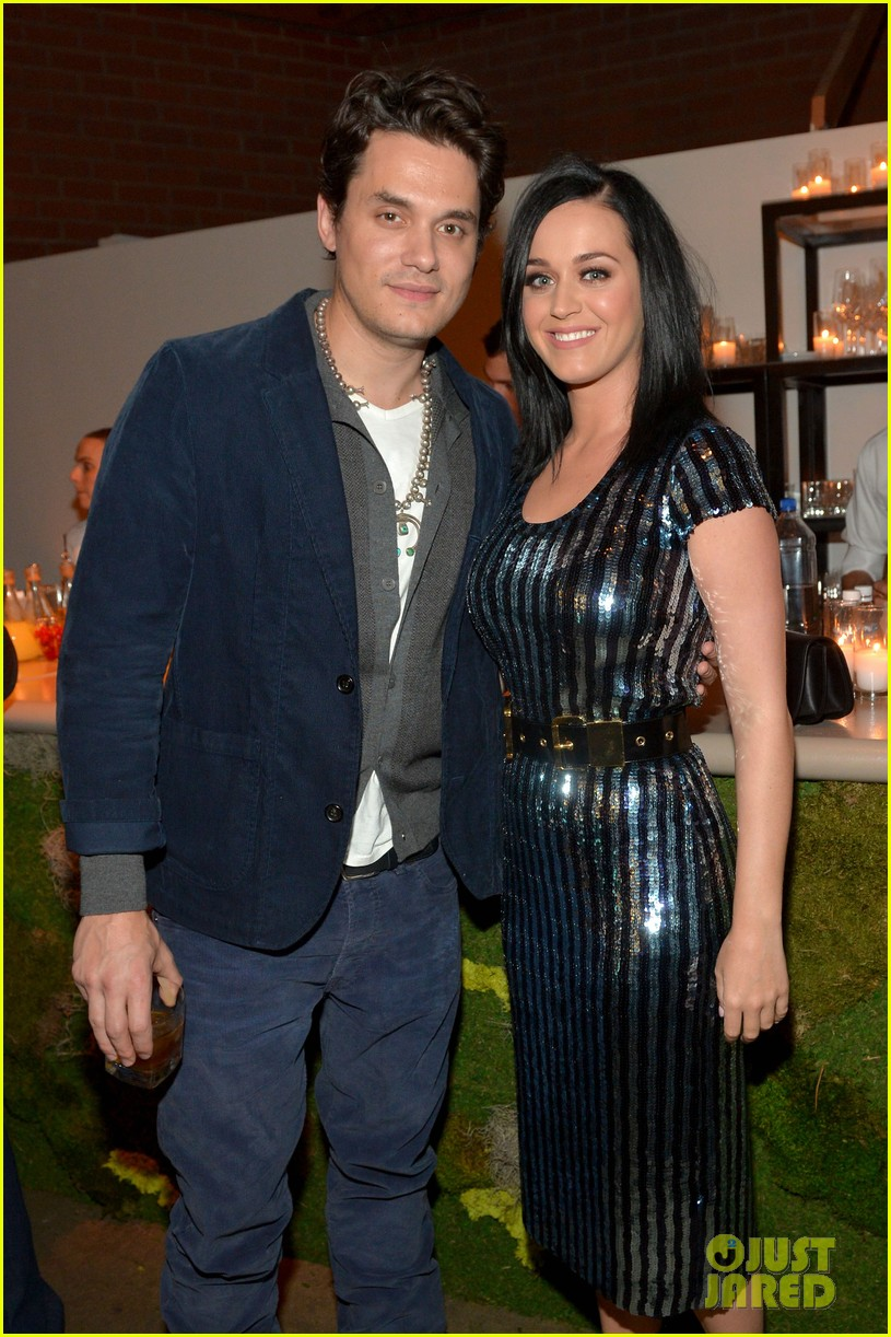 who is katy perry dating today Katy perry and orlando bloom are apparently back together after a source revealed the couple were spotted together in the maldives and katy was spotted wearing a.