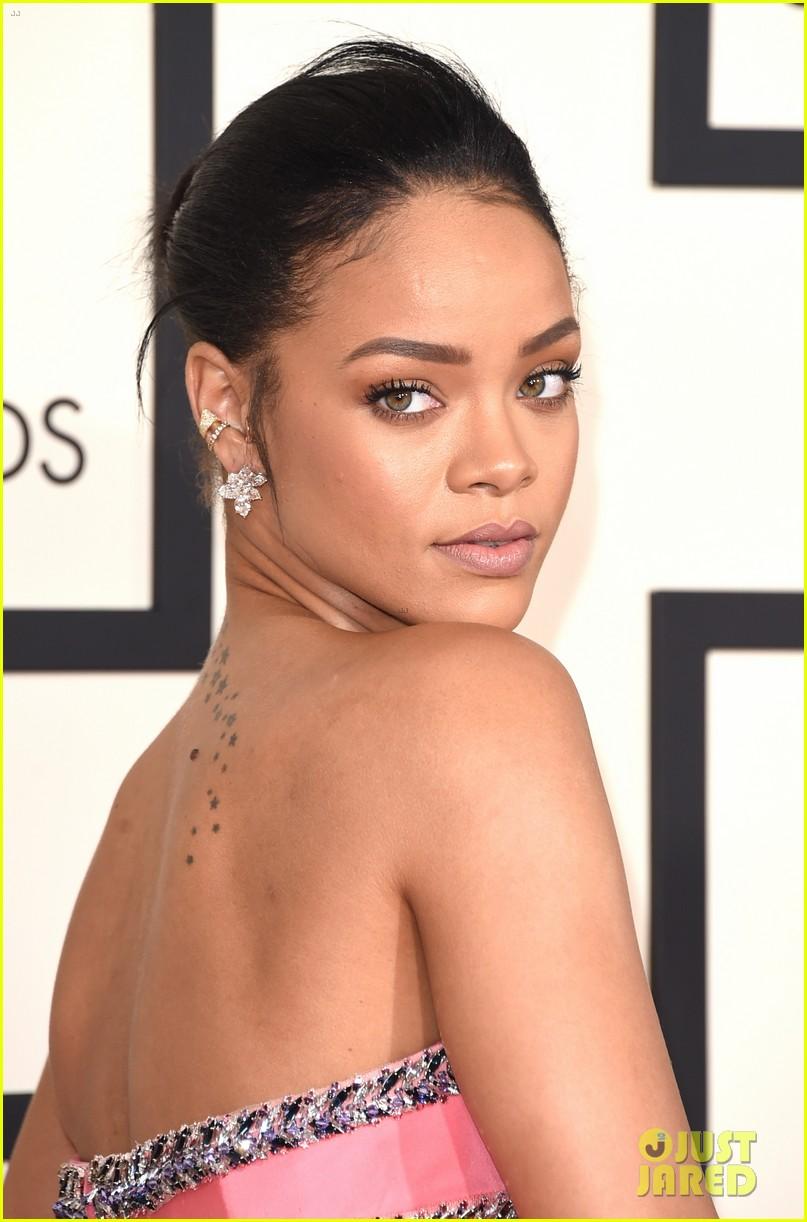 Rihanna Is a Pink Prin... Rihanna S