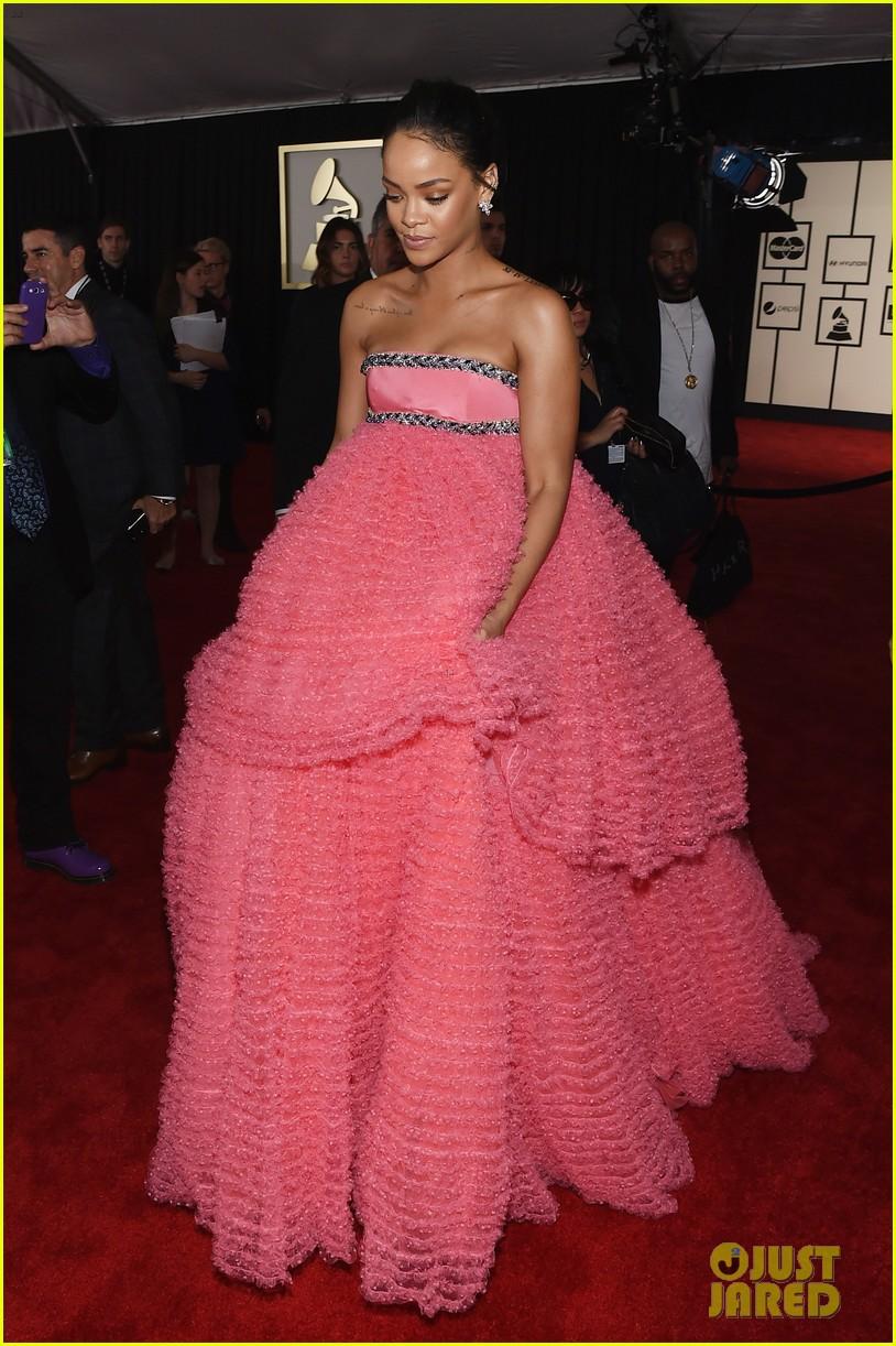 Rihanna Red Carpet 2015