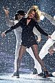 taylor swift brit awards 2015 performance 04