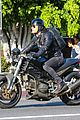 justin theroux rides motorcycle around town 08