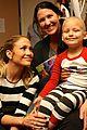 jennifer lopez visits los angeles childrens hospital 05