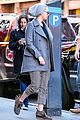 jennifer lawrence hangs with friends in soho 04