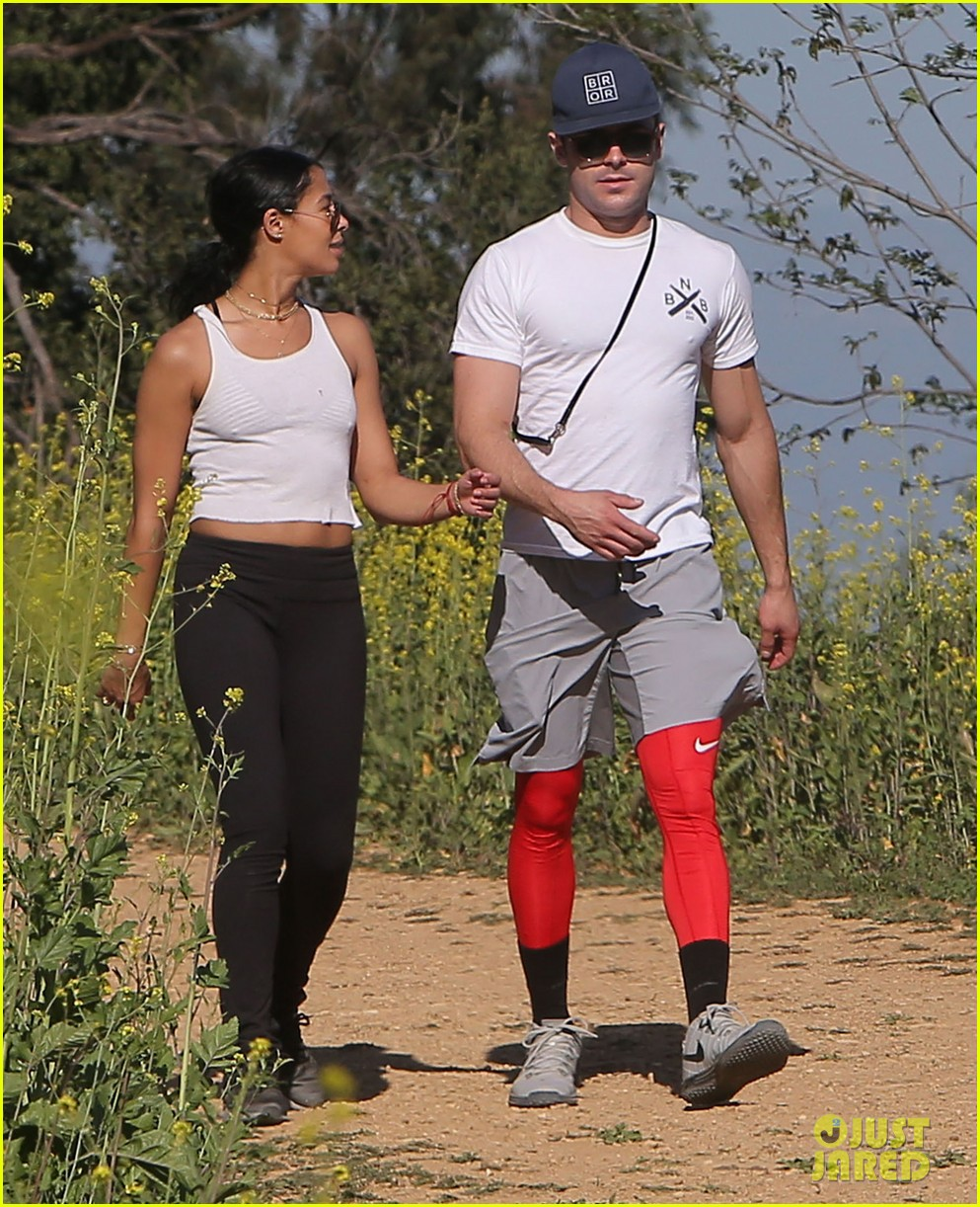 Full Sized Photo of zac efron sami miro hike in la 01 ... Zac Efron Workout