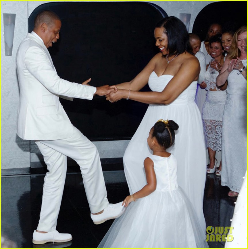 Beyonce jay z blue ivy make funny faces at tina knowles wedding beyonce jay z blue ivy make funny faces at tina knowles wedding photo 3355120 alan ferguson beyonce knowles bianca lawson blue ivy carter malvernweather Choice Image