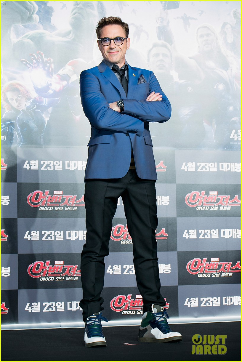 http://cdn03.cdn.justjared.com/wp-content/uploads/2015/04/evans-southkaven/chris-evans-robert-downey-jr-hit-south-korea-with-claudia-kim-for-avengers-03.jpg
