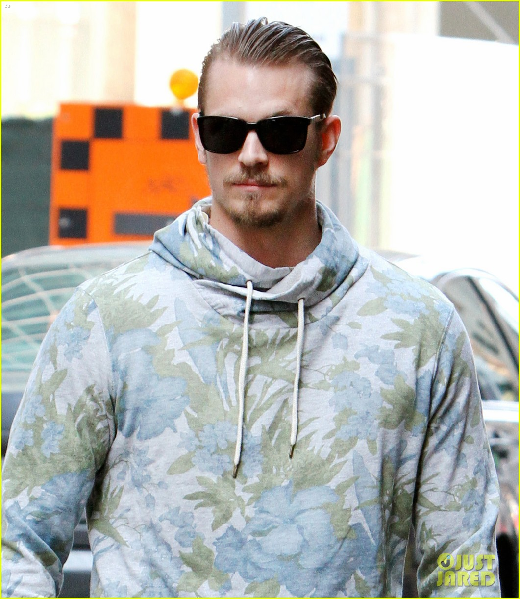 joel kinnaman doesnt expect life to change from suicide squad 01