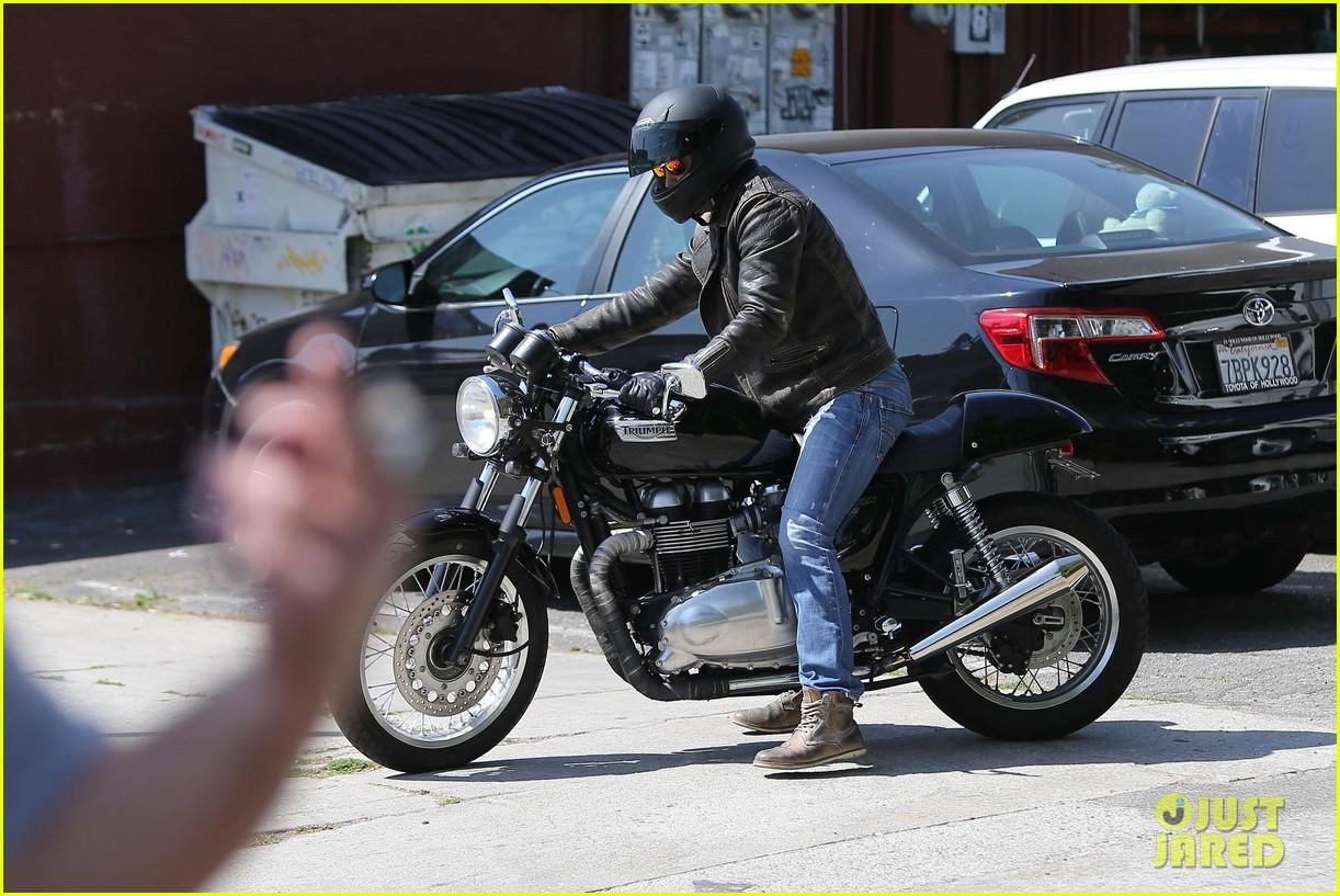 taylor kitsch shows off his biker bad boy side 303338808