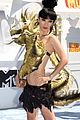 bai ling wears a dragon dress mtv movie awards 2015 04