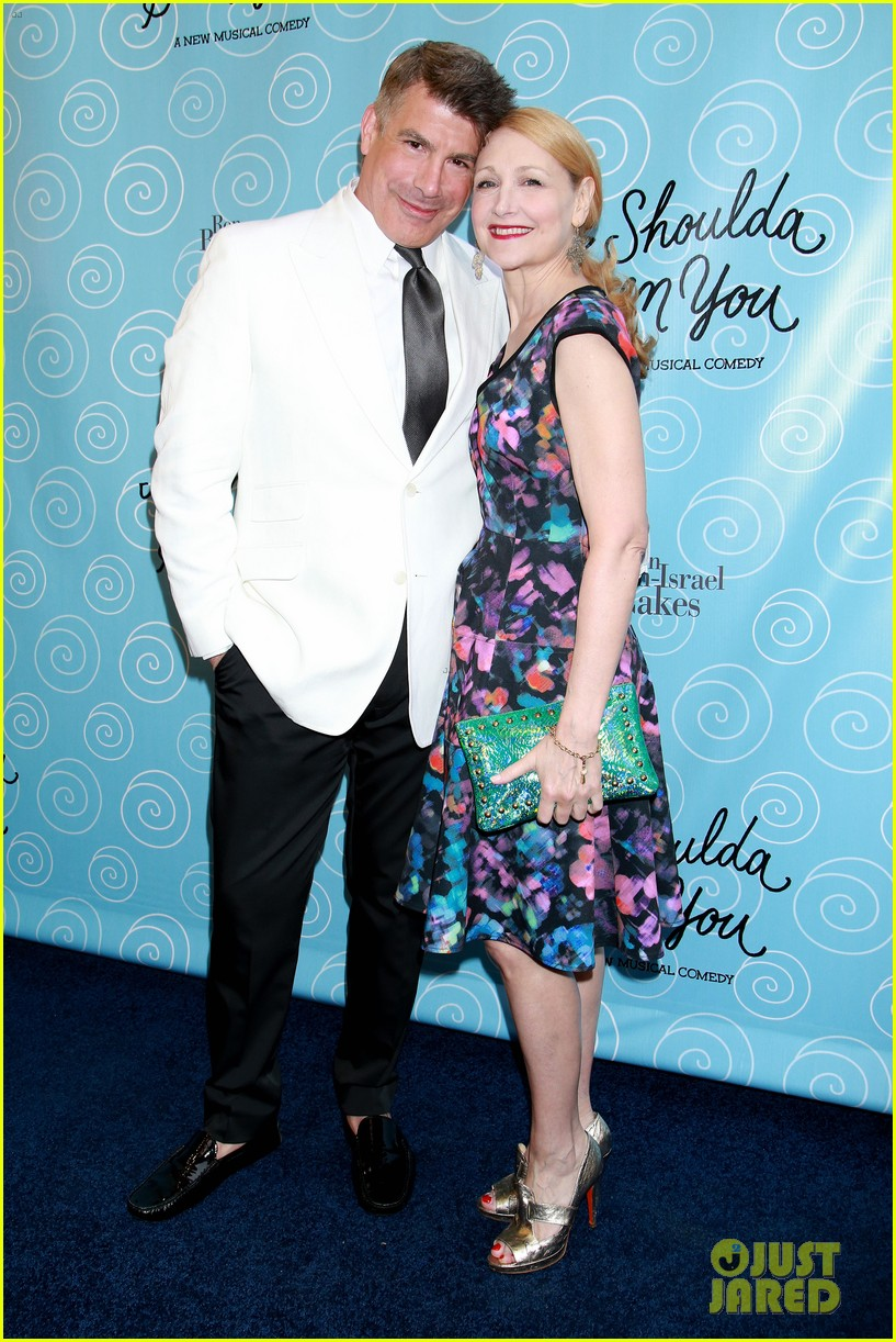 julianna margulies neil patrick harris couple up at it shoulda been you 043347570