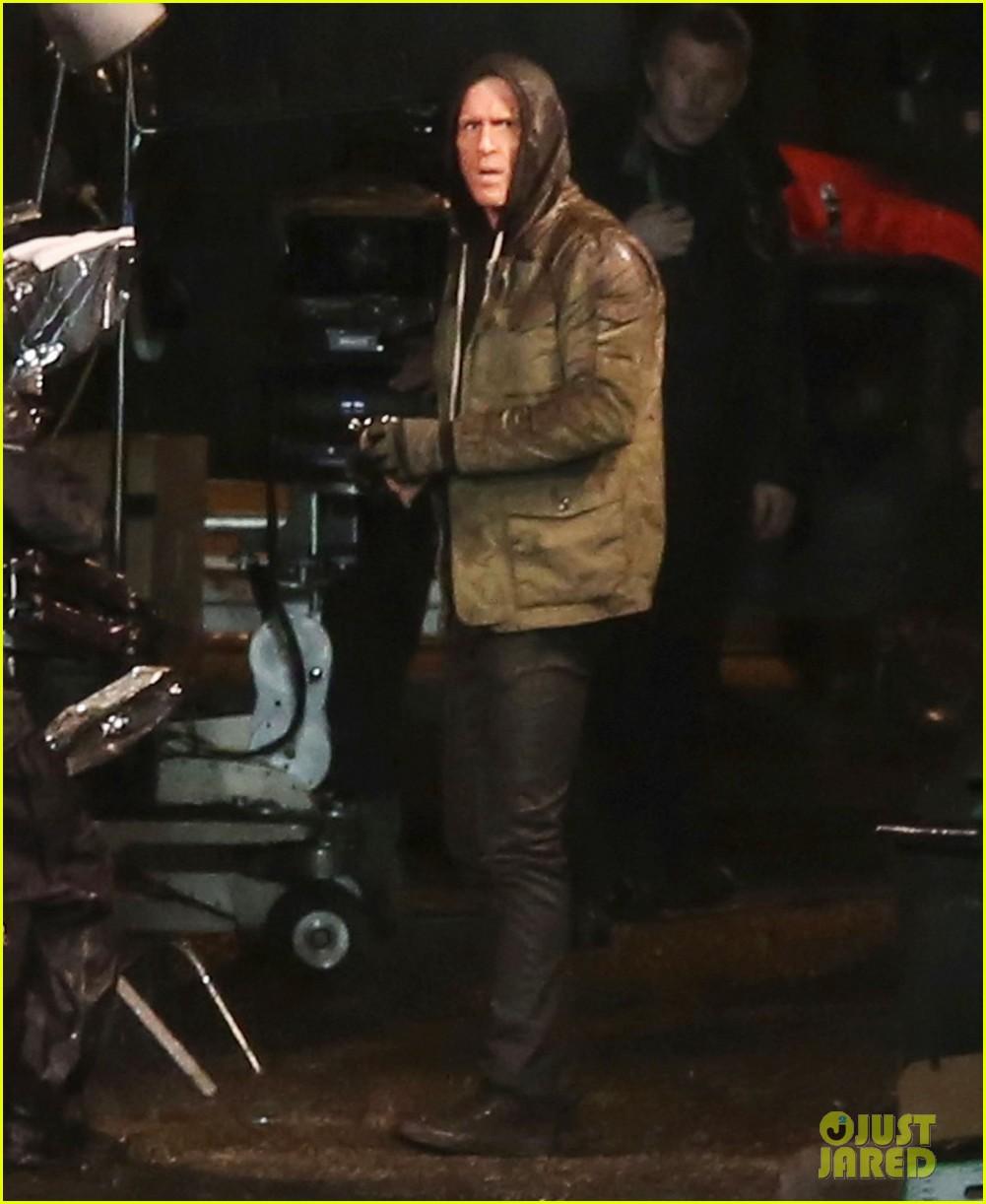 Full Sized Photo of ryan reynolds gets down dirty on deadpool movie ...