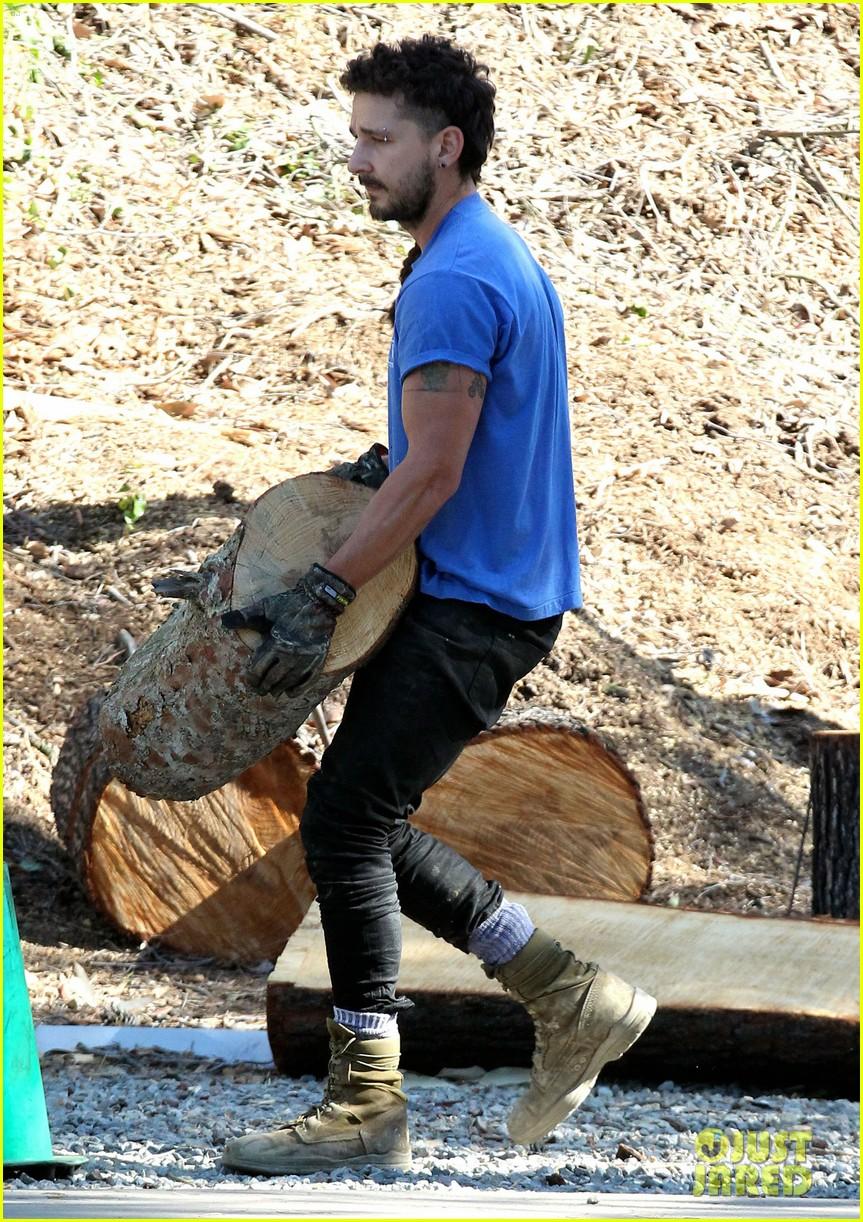 Shia Labeouf Channels His Inner Lumberjack Photo 3357405